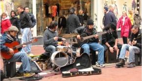 Buskers_on_Grafton_Street_Dublin