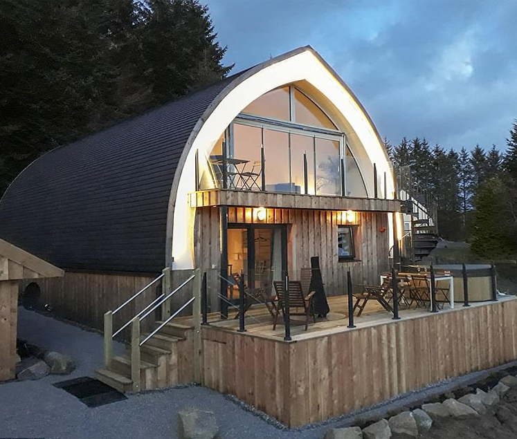 This Scottish Highlands Holiday Home Was Built Using 500 Bales Of Straw