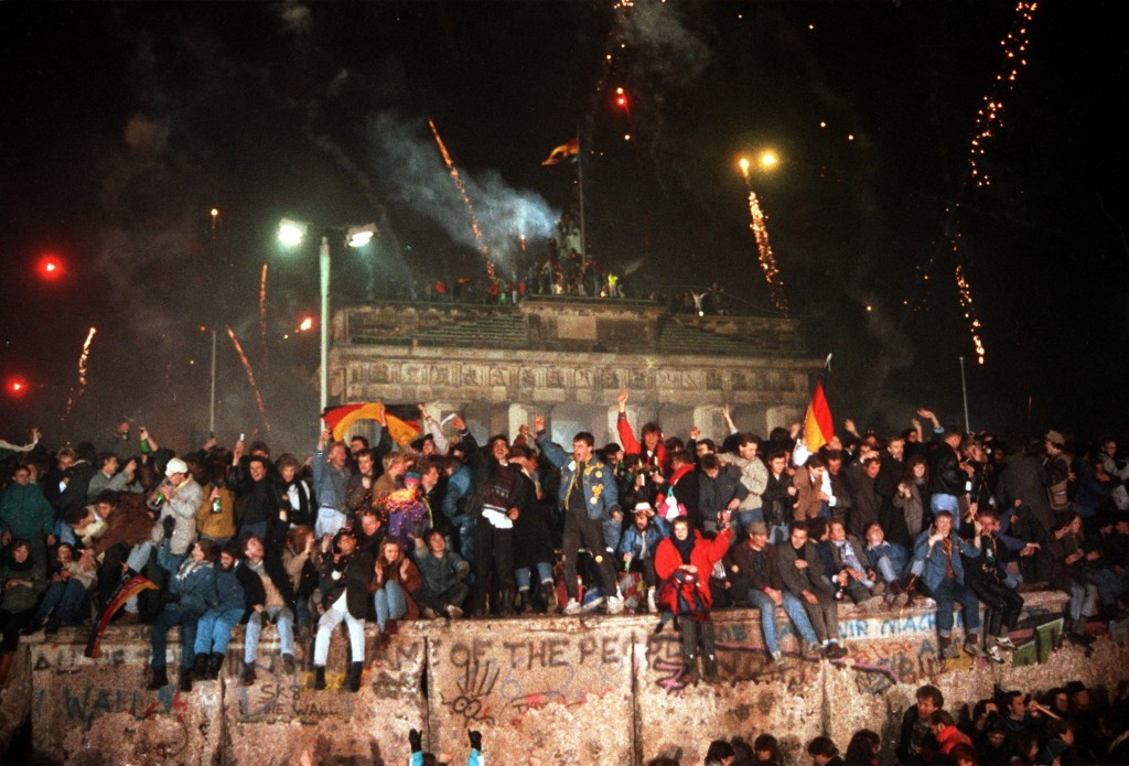 9244d30fa4 November 9th marked one of the most important anniversaries of modern  times. This date marks the 29th anniversary of the fall of the Berlin wall.